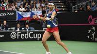 Lucie Šafářová během druhého utkání s Angelique Kerberovou v pražské O2 aréně.