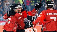 Gólová radost hokejistů Frölundy ve finále Ligy mistrů.