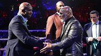 Evander Holyfield (vlevo) a Mike Tyson. Postaví se proti sobě ještě někdy v ringu?
