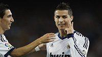 Cristiano Ronaldo s novým účesem takto slavil v El Clásicu gól.
