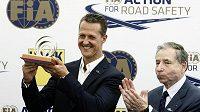 Šéf FIA Jean Todt s Michaelem Schumacherem.