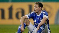 Benedikt Höwedes ze Schalke lituje vyřazení z Německého poháru.
