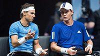 Rafael Nadal (vlevo) a Tomáš Berdych