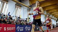 Jakub Holuša si při mistrovství republiky testoval formu na 800 metrů.