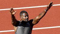 Justin Gatlin slaví vítězství na americkém mistrovství ve sorintu na 100 m.