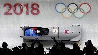 Jan Vrba a Jakub Havlín při olympijském závodu dvojbobů v Pchjongčchangu.