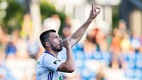 Kanonýr Mladé Boleslavi Nikolaj Komličenko oslavuje gól na 1:1 během utkání 2. předkola Evropské ligy proti Ordabasy Šymkent.