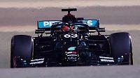 Brit George Russell se v Sáchiru statečně bil, ale hrubá chyba mechaniků stáje Mercedes ho připravila o možný triumf.
