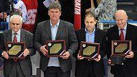 Noví členové hokejové síně slávy (zleva): Bohumil Prošek, Arnold Kadlec, Bedřich Ščerban a Josef Dovalil.