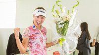Klára Spilková, která jako první v historii českého golfu vybojovala vítězství mezi profesionály.