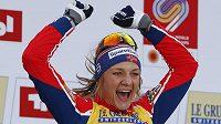 Norka Maiken Caspersen Fallaová po triumfu ve sprintu na MS v Seefeldu.