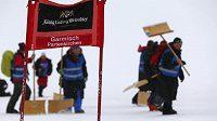 Organizátoři v německém Garmich-Partenkirchenu dělali co mohli, ale obří slalom mužů byl nakonec zrušen.