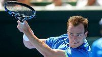 Český tenista Jan Šátral při své premiéře v Davis Cupu neuspěl.