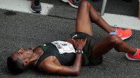 Belay Tilahun Bezabh z Etiopie vyhrál v Sao Paulu, v cíli se zhroutil.