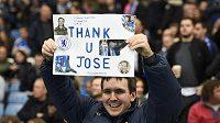 Děkujeme, José, stojí na transparentu Mourinhova zastánce.