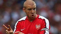 Bývalý obránce Arsenalu či AC Milán Philippe Senderos ukončil v 34 letech fotbalovou kariéru.