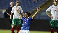 Italský fotbalista Pablo Osvaldo se raduje z branky v kvalifikačním utkání proti Bulharsku.