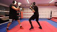 Bratři v ringu. Marian a Marcel Hossovi propadli boxu.