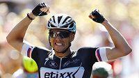 Obrovská radost českého cyklisty Zdeňka Štybara po triumfu v šesté etapě Tour de France.