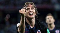 Chorvat Luka Modrič se raduje po gólu proti Argentině.
