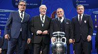 Trenéři reprezentačních týmů, které se střetnou v základní skupině D na EURO 2016: Zleva Fatih Terim (Turecko), Vicente del Bosque (Španělsko),Pavel Vrba (ČR)an Ante Čačič.