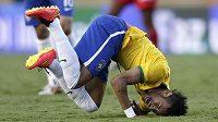 Brazilec Neymar v netradiční pozici v přípravě s Panamou.