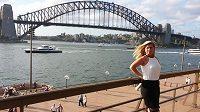 Petra Novotná žije v Sydney. Fotka u Harbour Bridge je toho důkazem.