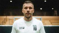 Fotbalový mistr světa z roku 2014 Lukas Podolski bude podle deníku Bild hrát v Polsku.