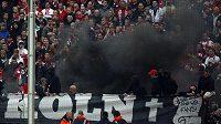 """Fanoušci Kolína se v sobotním zápase s Bayernem Mnichov """"předvedli"""" už na stadiónu."""