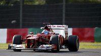 Fernando Alonso z týmu Ferrari během tréninku na Velkou cenu Japonska.