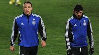 John Terry (vlevo) a Paulo Ferreira během předzápasového tréninku před utkáním Evropské ligy mezi pražskou Spartou a Chelsea.