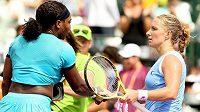 Serena Williamsová a Světlana Kuzněcovová (vpravo).