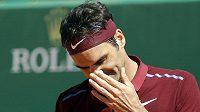 Zklamaný tenista Roger Federer v Monte Carlu prohrál s Jo-Wilfriedem Tsongou.
