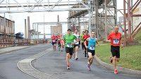 Půlmaratón v Ústí nad Labem nabízí závodníkům běh netradiční industriální scenérií.