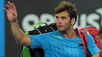 Tuniský tenista Malik Džazírí. Jeho předčasný konec na turnaji v Montpellier vyvolává spekulace.