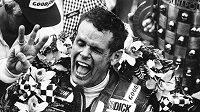 Bobby Unser po třetím triumfu v Indianapolis v roce 1981.