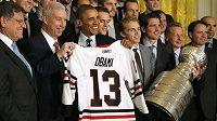 Hokejisté Chicaga Blackhawks při přijetí u prezidenta Spojených států amerických Baracka Obamy.