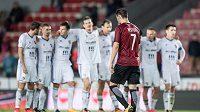 Zklamaný Néstor Albiach ze Sparty během penaltového roztřelu proti Baníku.