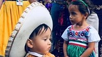 Do Ruska přijeli z mexika fandit i děti.