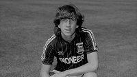 Fotbalový svět opustil bývalý anglický reprezentant Paul Mariner