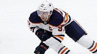 Největší hvězdou úvodního kompletního týdne sezony NHL byl vyhlášen kapitán Edmontonu Connor McDavid