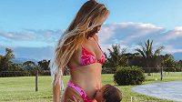 Krásná hvězda surfařského světa Alana Blanchardová se pochlubila fanouškům novinkou, bude opět maminkou.