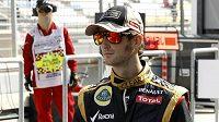 Francouzský jezdec stáje Lotus Romain Grosjean na okruhu v korejském Jongamu.