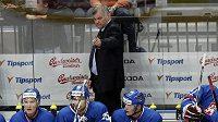 Český hokejový trenér Vladimír Vůjtek na slovenské střídačce