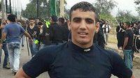 Dalšímu íránskému zápasníkovi Mehdimu Alímu Hosejnímu hrozí trest smrti.