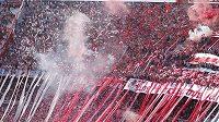 Fanoušci argentinského River Plate dokáží během slavného Superclásica proti rivalovi Boce Juniors vytvořit v ochozech peklo.