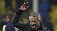 Naštvaný trenér Realu Madrid José Mourinho po vyrovnávací brance na půdě CSKA Moskva.