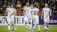 Čeští fotbalisté se radují z vyrovnávací branky proti Švédsku.