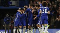 Radost fotbalistů Chelsea po třetím vstřeleném gólu.