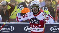 Francouzský lyžař Adrien Théaux (na snímku) ani další lyžaři si v sobotu v Adelbodenu nezazávodí.